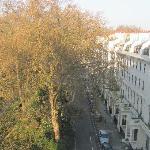 Foto de Two Hyde Park  Square Apartments