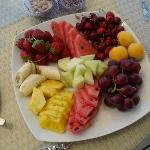 Fruit dish received at the beach cabin