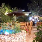 Taverna Paradise Studios & Apartments