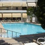 Central pool adjacent restaurants and bar