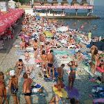 Una spiaggia libera a Yalta