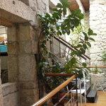 Interior del hotel camino de la sala de desayunos