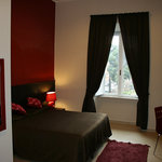 Triple room overlooking to the Vittorio Emanuele II square