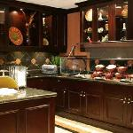 Suite Start® Breakfast and Welcome Home® Reception