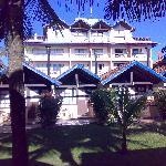 O Hotel visto pela area dos bangalôs