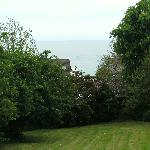 thats how close to the sea it is...........just between the trees