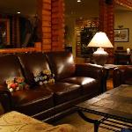 the lovely lounge at Overlander Lodge