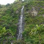 Blick auf den Wasserfall vom Eingang des Hotels aus
