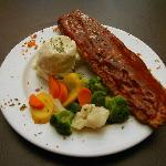 Ribs with Mashed Potatoes and Veggies