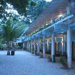 Photo de Camayan Beach Resort and Hotel
