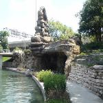 Hotel is only 2 minutes from Riverwalk