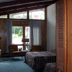 Queen Motel Room