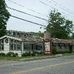 A nice view of the Fife n'Drum Restaurant from the street