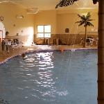 We especially liked the pool area, which is roomy and well-maintained.