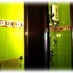 Anowa Tree Lodge - Bathrooms