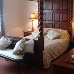 King size four poster room 2