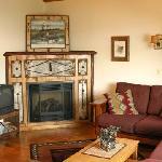 Waters Egde Cottages - Merganser Cabin