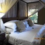 Großes Doppelbett mit Bettheizung