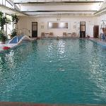 温泉の屋内プール