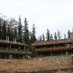 Wenkchemna wing on the left, Main Lodge rooms in the middle, lounging area and restaurant downst