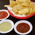 Viva Las Tres Salsas