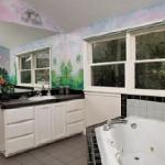 Enjoy a jacuzzi tub & separate shower