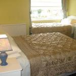 Almara sample ensuite bedroom photo
