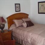 Room 26 Peaceful Queen Bed