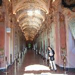 市立絵画館廊下