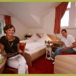Gäste mit Hund im Zimmer