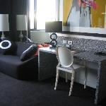 Room 508 - Lounge & Desk