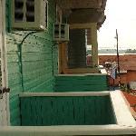 Pequeños balcones en las habitaciones
