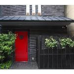 Red front door (25921513)