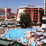 Pool vom Hotel!