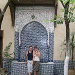 DEvant la fontaine du Riad