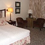Zimmer Meikles Hotel