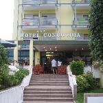 L'entrata dell'albergo