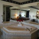 Lakefront Jacuzzi Room