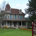 The Roth House Bed and Breakfast - Soldiers Grove, WI