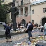 der Büchermarkt an der alten Stadtmauer