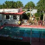 Sea Spray Garden Motel Pool view