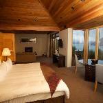 Sleeping area through to lounge