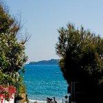 Kaloudis - down to the beach