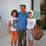 """i nostri bimbi con """"nonno"""" Salvatore"""