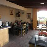 The breakfast room next to the terrace
