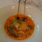 Gazpacho mit Kokosmilch , Koriander & Sardine