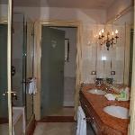 Westin Excelsior bathroom