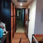 La entrada de la habitacion que daba a la zona de estar