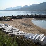 I Laser ed i Kayak sulla piccola spiaggetta