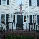 The Carriage House Inn